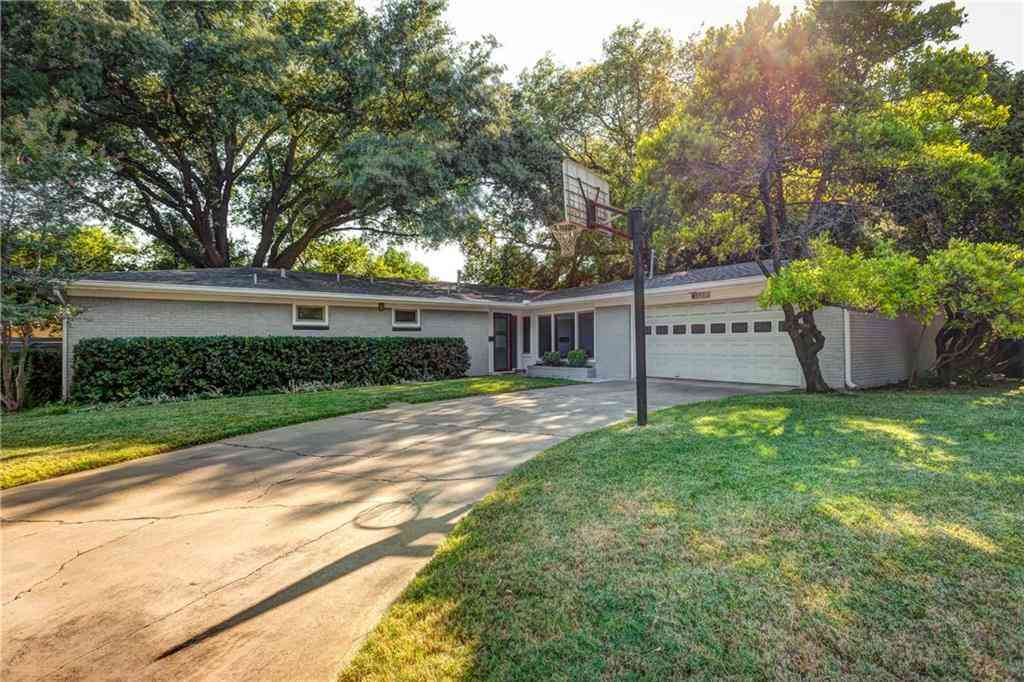 3001 Village DR, Austin, TX, 78731,