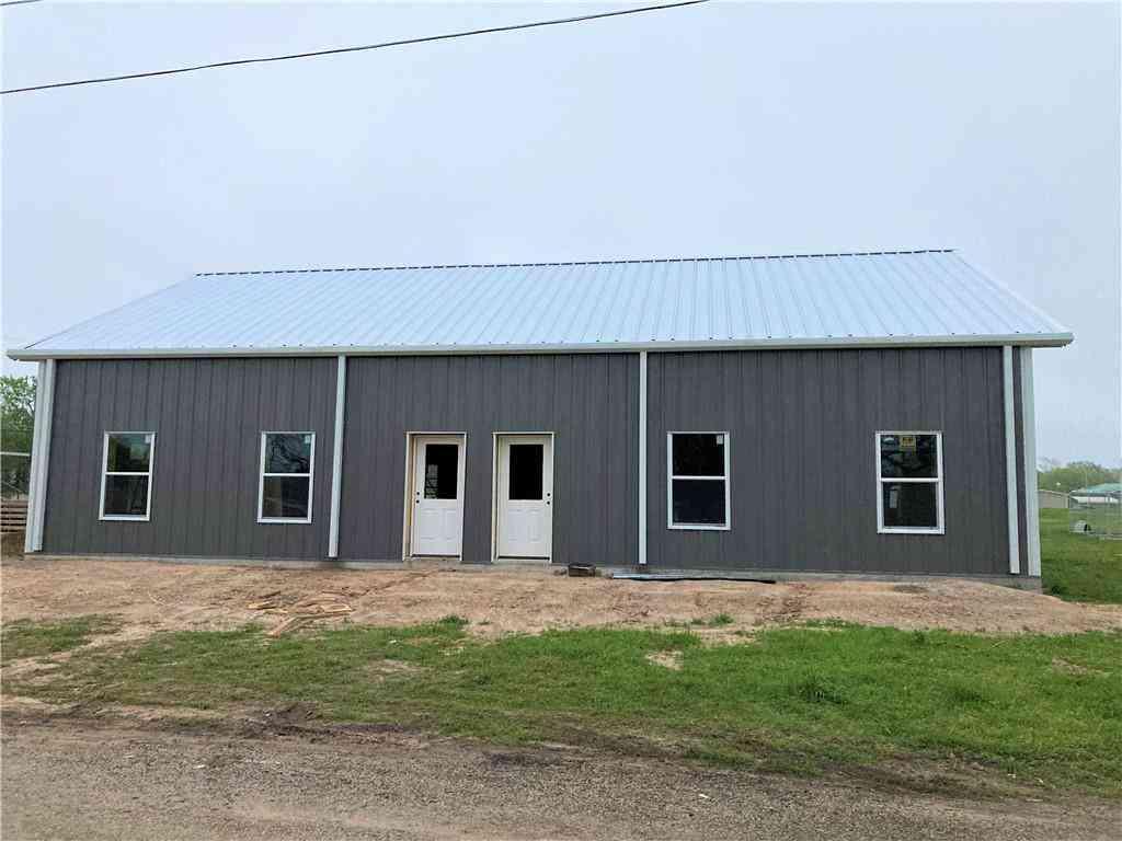 360 College ST, La Grange, TX, 78945,