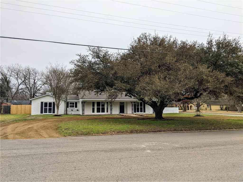 2100 Meadow LN, Taylor, TX, 76574,