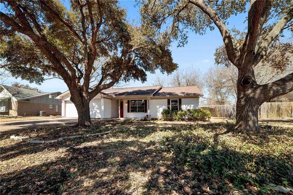 2004 Kent ST, Taylor, TX, 76574,