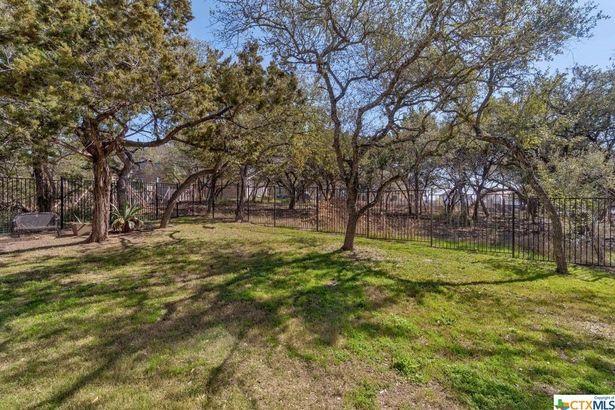 415 Ancient Oak WAY