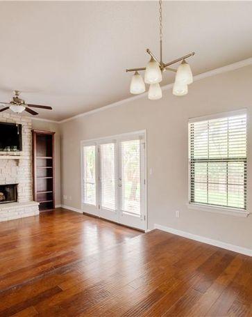 Sunny Living Room, 2201 Lakeway BLVD #20 Lakeway, TX, 78734