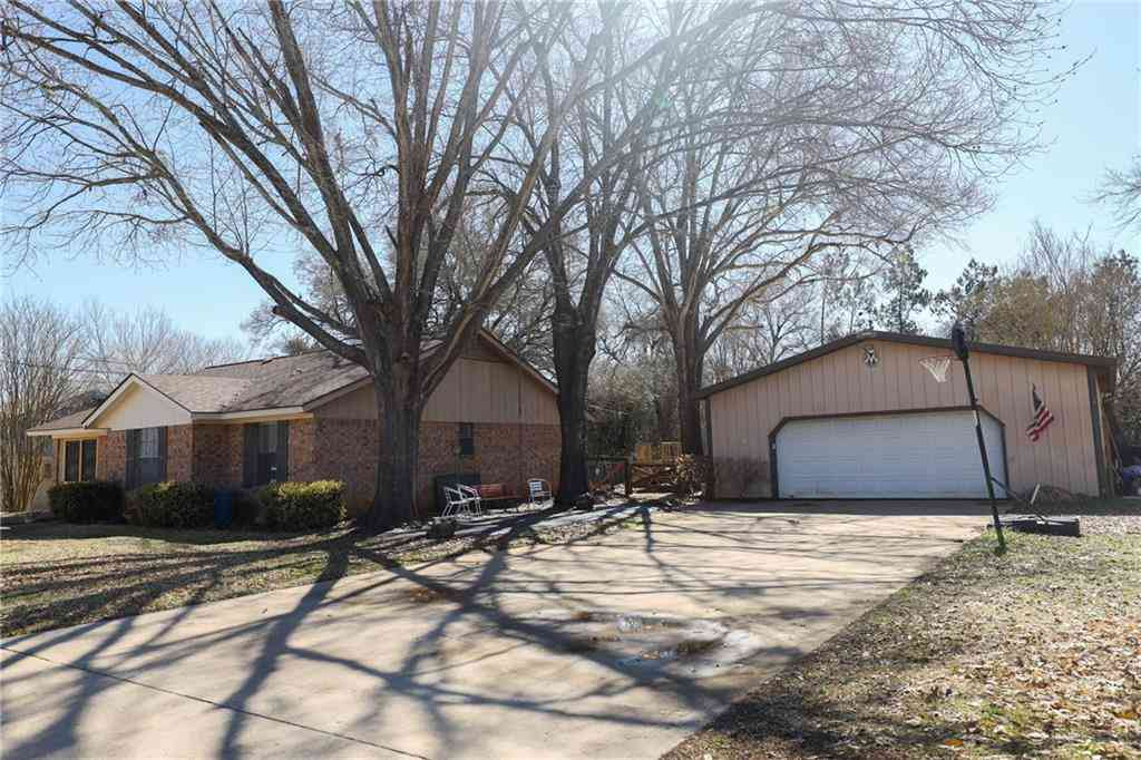 204 Nursery DR, Lexington, TX, 78947,