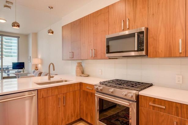 222 West Ave #1211