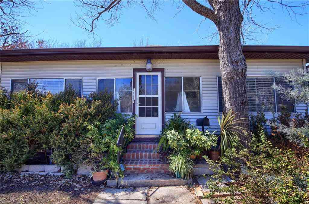 1111 Sycamore ST, Taylor, TX, 76574,