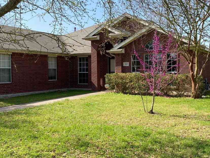 525 Mockingbird LN, Lockhart, TX, 78644,