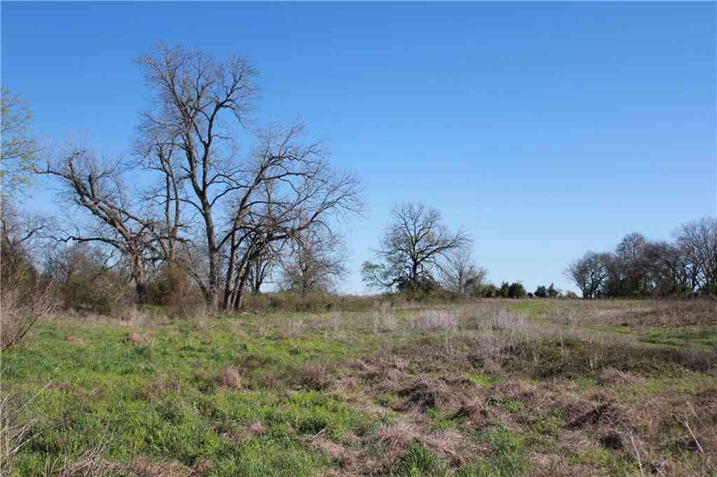 1260 CR 409, Lexington, TX, 78947,
