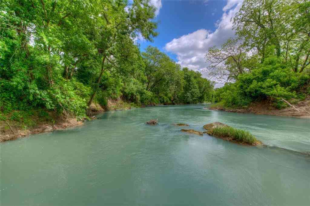 2464 County Road 249, Luling, TX, 78648,