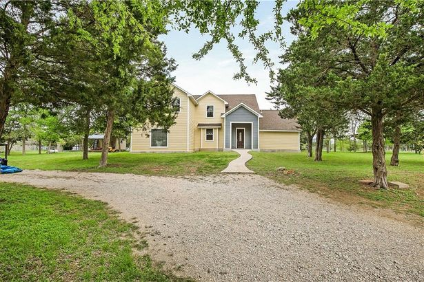 157 Rocky Hill DR