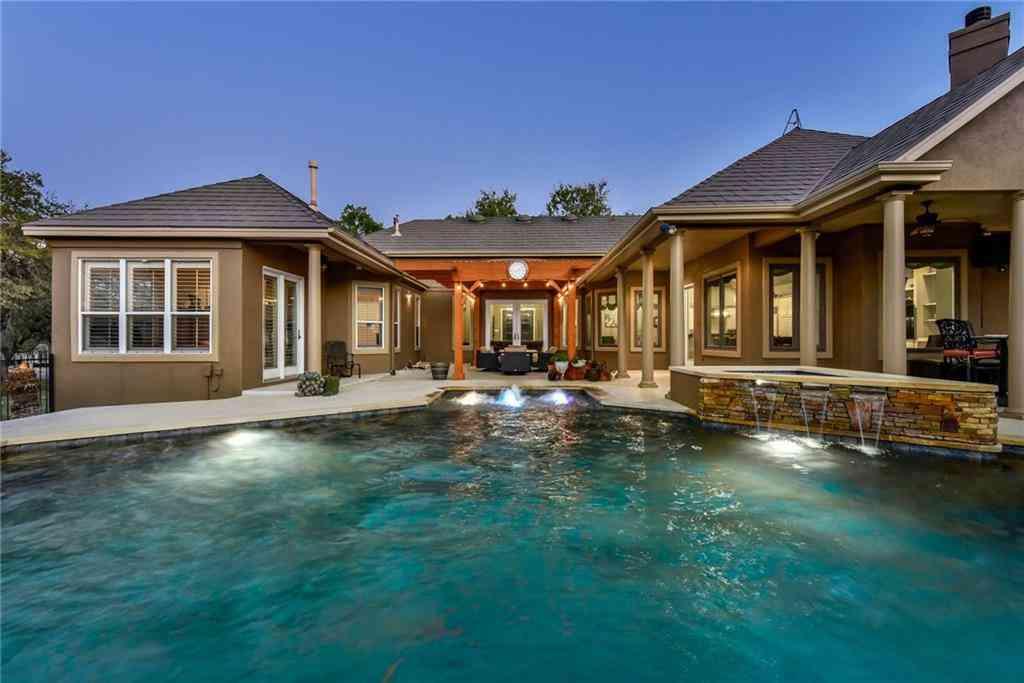 Swimming Pool, 22 Meadows End, Georgetown, TX, 78628,