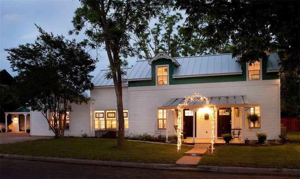 403 N Pecan ST, Fredericksburg, TX, 78624,