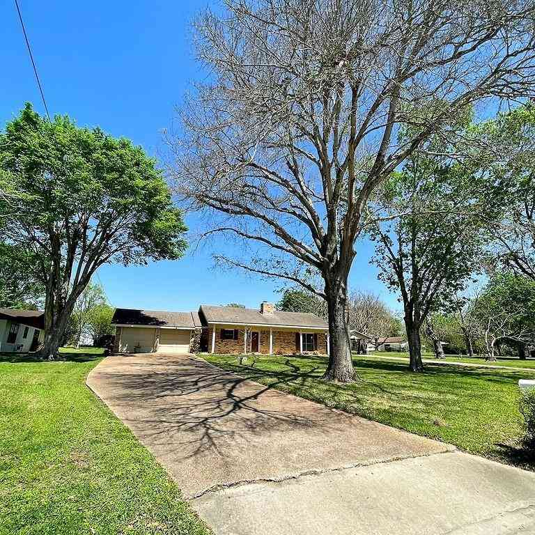 802 N Horton ST, La Grange, TX, 78945,