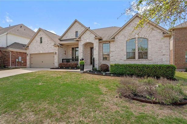 117 Lake Mineral Wells DR