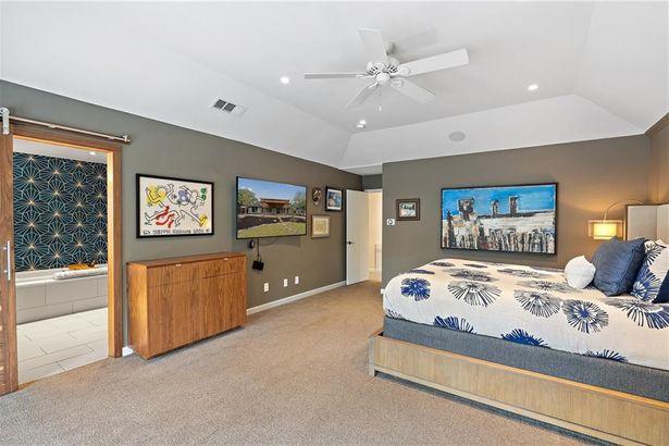 6805 Western Oaks BLVD