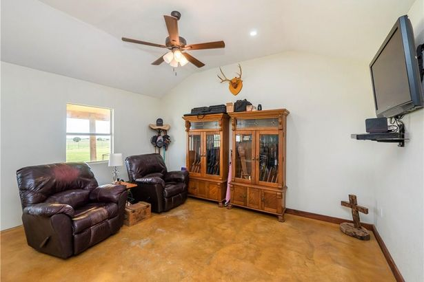 9814 County Road 272