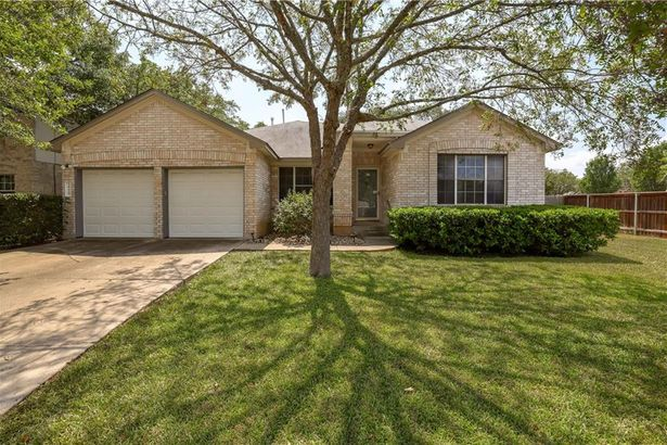 1615 Country Squire DR