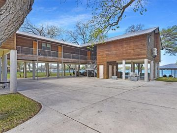 130 Isle Of View DR, Mc Queeney, TX, 78123,