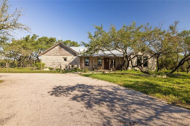 1111 Hays Country Acres RD