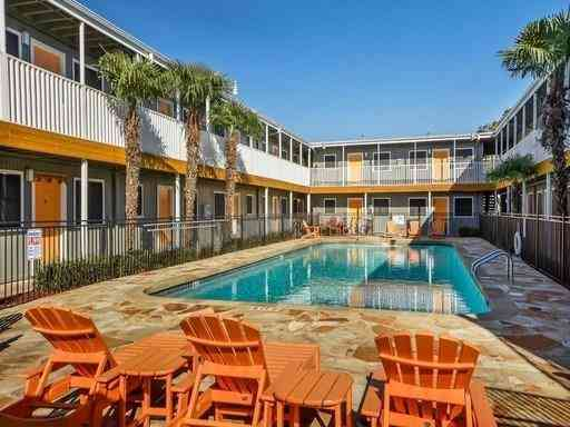 Swimming Pool, 2401 Manor RD #232A, Austin, TX, 78722,