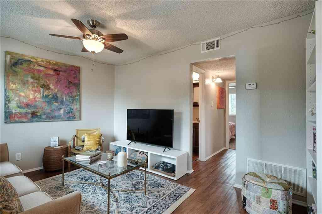 Sunny Living Room, 2401 Manor RD #203, Austin, TX, 78722,
