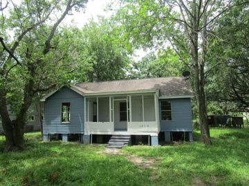 1414 Avenue K, Danbury, TX, 77534,