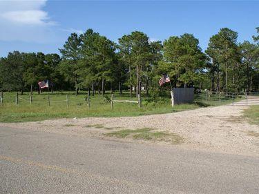 1611 County Road 192 Road, Liverpool, TX, 77577,