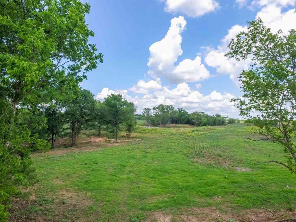 003 County Road 451, Waelder, TX, 78959,