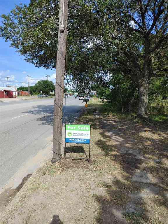 309 NE Boothe Drive, Eagle Lake, TX, 77434,