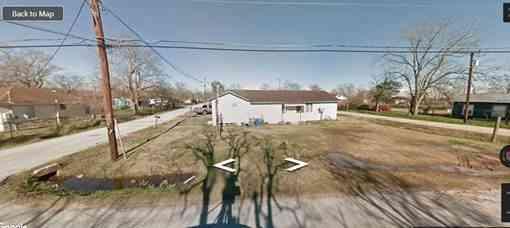 1402 E State Street, Eagle Lake, TX, 77434,