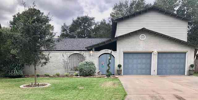 2909 Willow Creek Drive, El Campo, TX, 77437,