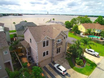 212 Maple Road, Clear Lake Shores, TX, 77565,