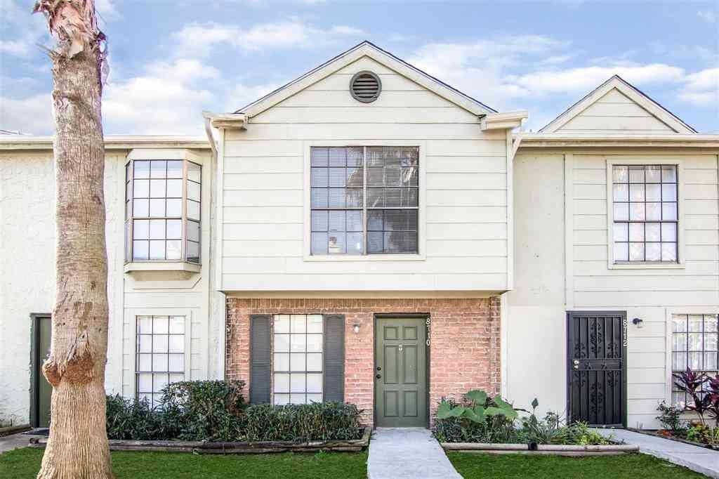 8710 Victorian Village Drive, Houston, TX, 77071,