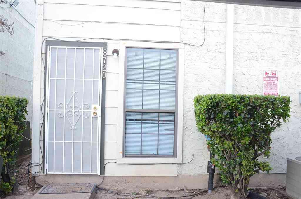 8720 Village Of Fondren Drive, Houston, TX, 77071,