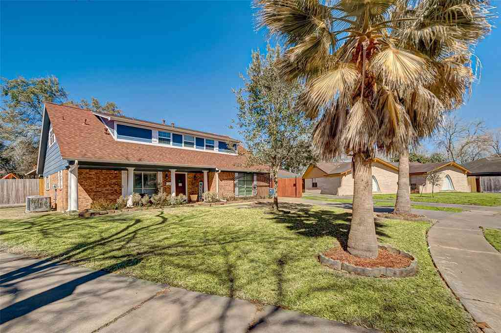 5111 Rockland Drive, Pearland, TX, 77584,