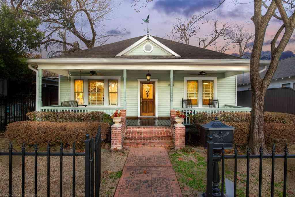 916 Cortlandt Street, Houston, TX, 77008,