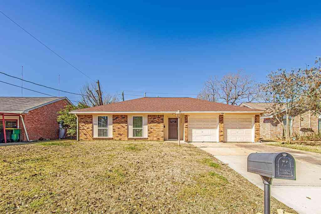 5505 Crestmont Street, Baytown, TX, 77521,