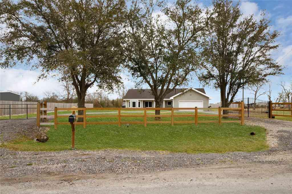 8506 Bluebird Circle, Baytown, TX, 77523,