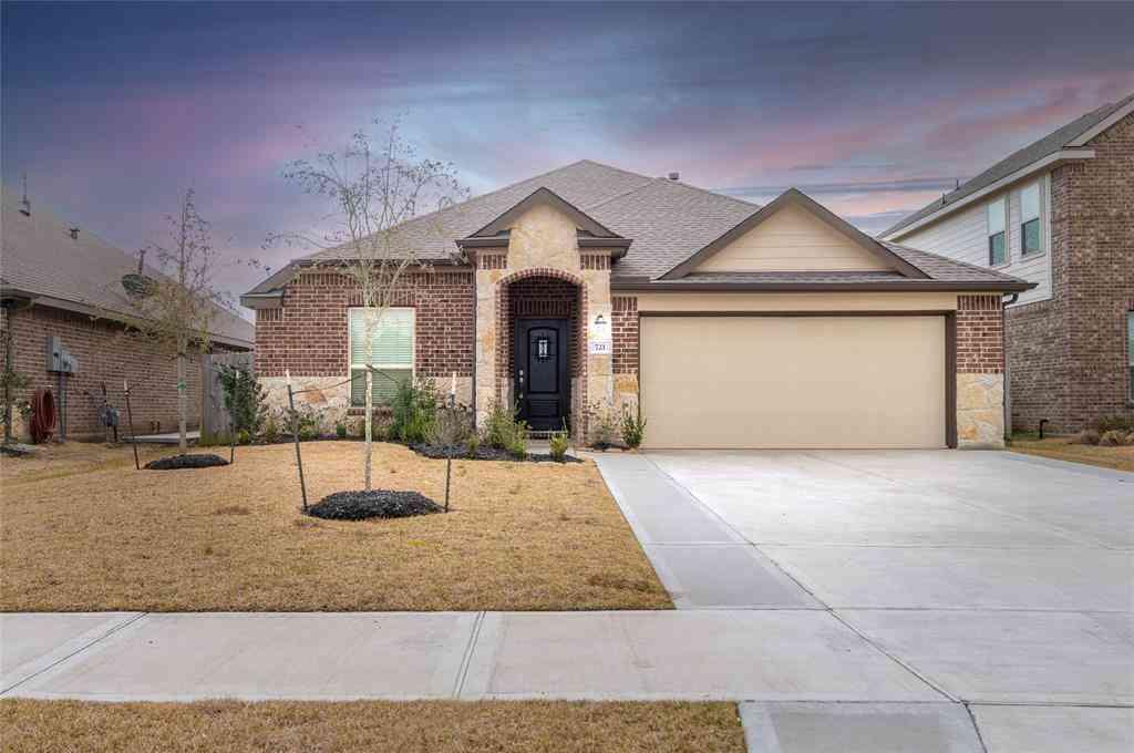 721 Oakmist Cove Lane, La Marque, TX, 77568,