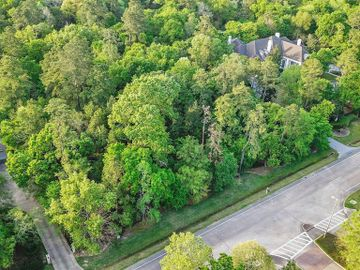 201 Grogans Point Road, The Woodlands, TX, 77380,