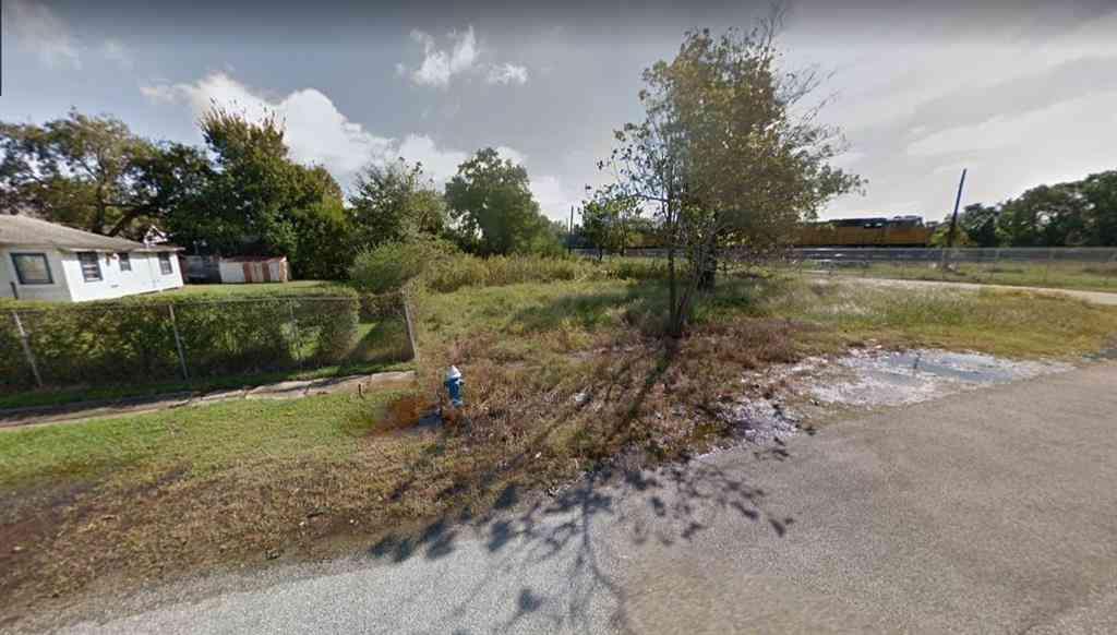 1902 Brewster Street, Houston, TX, 77026,