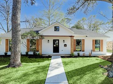 8601 Cedarbrake Drive, Spring Valley Village, TX, 77055,