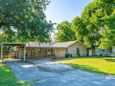 604 Julie Lane, Highlands, TX, 77562,