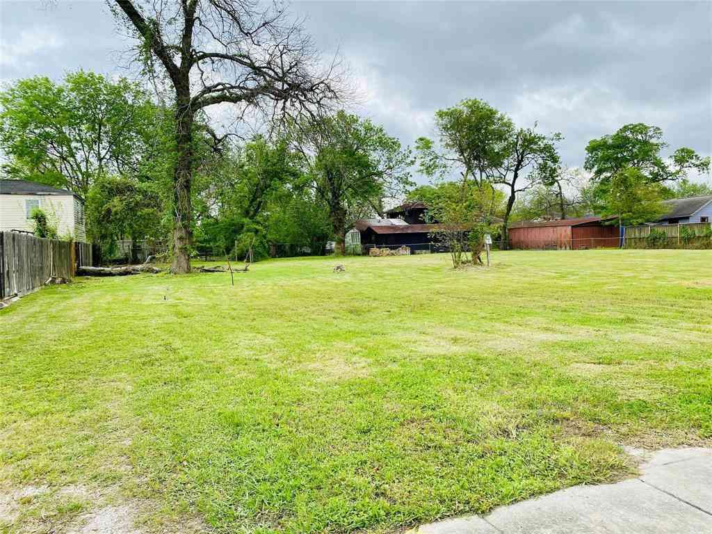 2718 Reynolds Street, Houston, TX, 77009,