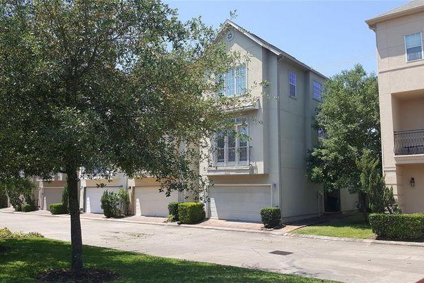 9020 Harbor Hills Drive
