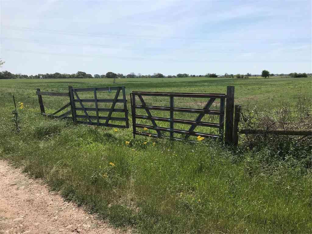 4500 Mullins Prairie Loop, La Grange, TX, 78945,