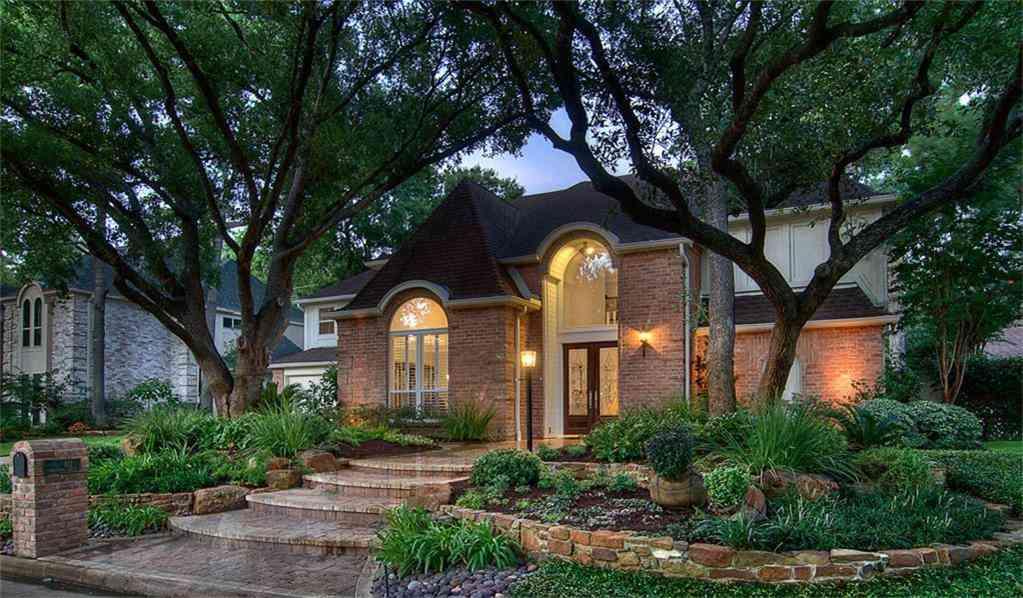 811 Herdsman Drive, Houston, TX, 77079,