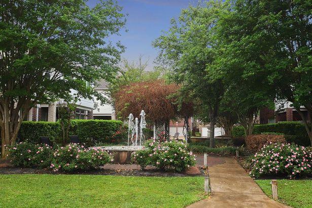 1446 Sherwood Park Circle