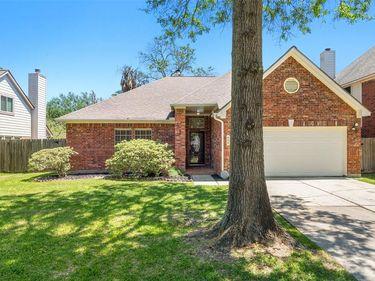 506 Welford Lane, Highlands, TX, 77562,