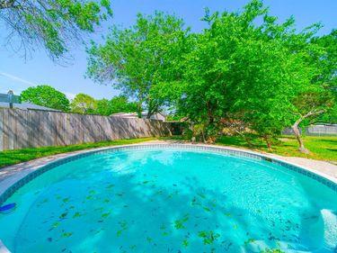 8611 Fern Circle, Highlands, TX, 77562,