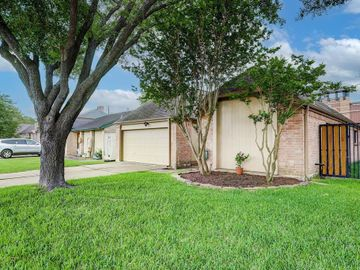 11723 Brook Meadows, Meadows Place, TX, 77477,